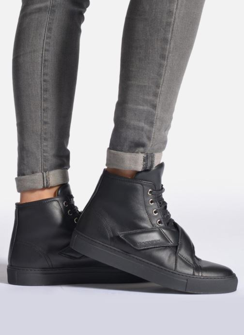 Trainers Carven Sketcha Black view from underneath / model view