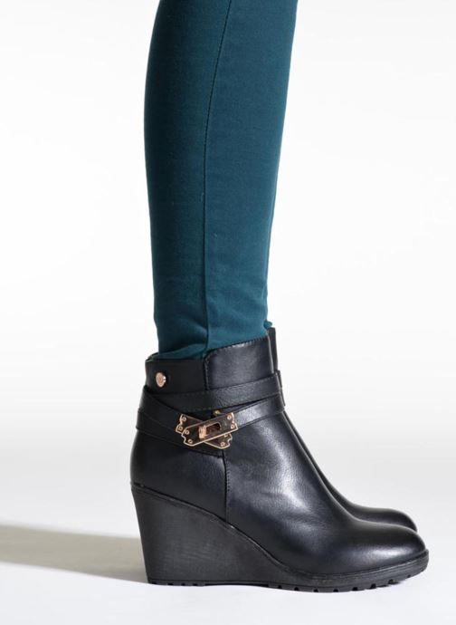 Ankle boots Xti Cornelie-28720 Brown view from underneath / model view