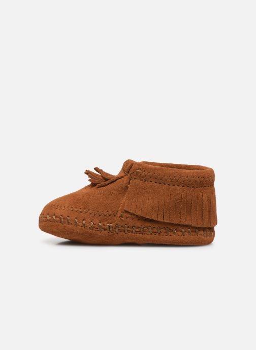 Pantuflas Minnetonka Riley Bootie Marrón vista de frente