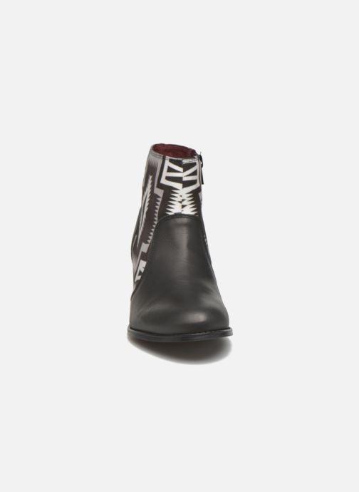 Boots en enkellaarsjes Desigual Cris Zwart model