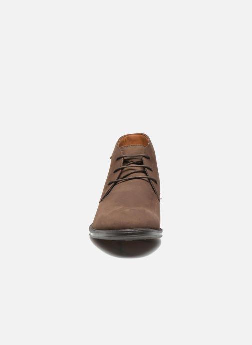 Chaussures à lacets Clarks Chilver Hi GTX Marron vue portées chaussures