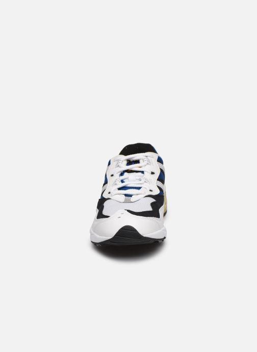 Sneakers New Balance ML850 Bianco modello indossato