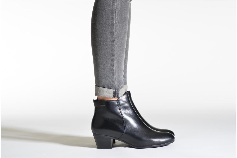 Bottines et boots Clarks Melanie Su GTX Noir vue bas / vue portée sac