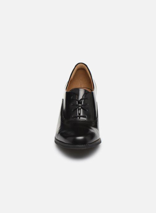 Schnürschuhe Clarks Tarah Victoria schwarz schuhe getragen