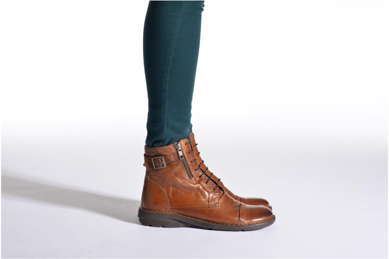 Bottines et boots Dorking Medina 6402 Marron vue bas / vue portée sac
