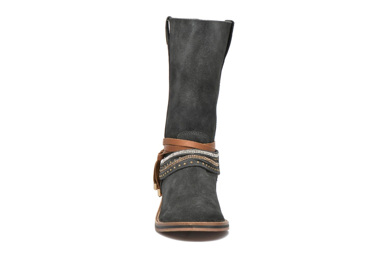 Bottines et boots Les Tropéziennes par M Belarbi Apache Gris vue portées chaussures