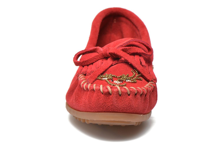 Mocassins Minnetonka Moko Moc Rouge vue portées chaussures