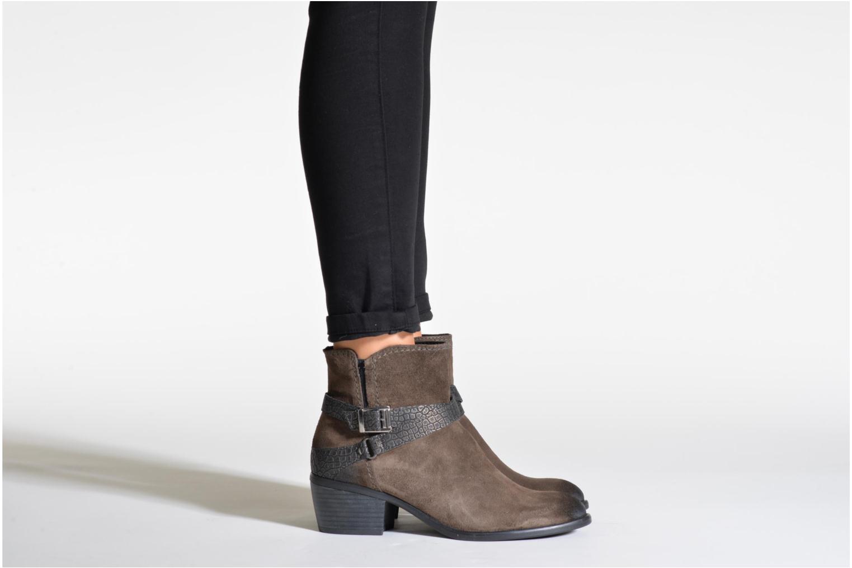 Bottines et boots Tamaris Bytuaze 2 Marron vue bas / vue portée sac