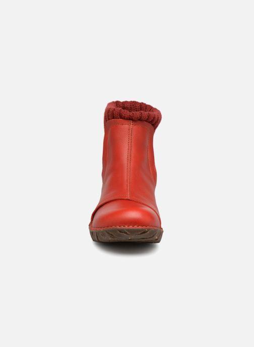 Stivaletti e tronchetti El Naturalista Yggdrasil NE23 Rosso modello indossato