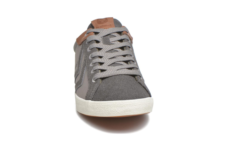 Baskets Hummel Deuce Court Winter Vert vue portées chaussures