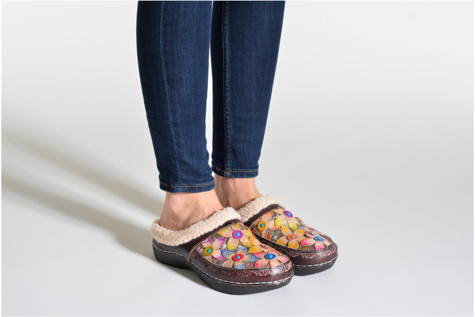 Slippers Laura Vita Trema Multicolor view from underneath / model view