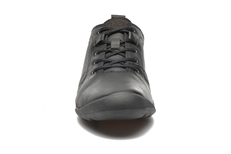 Baskets TBS Strity Noir vue portées chaussures