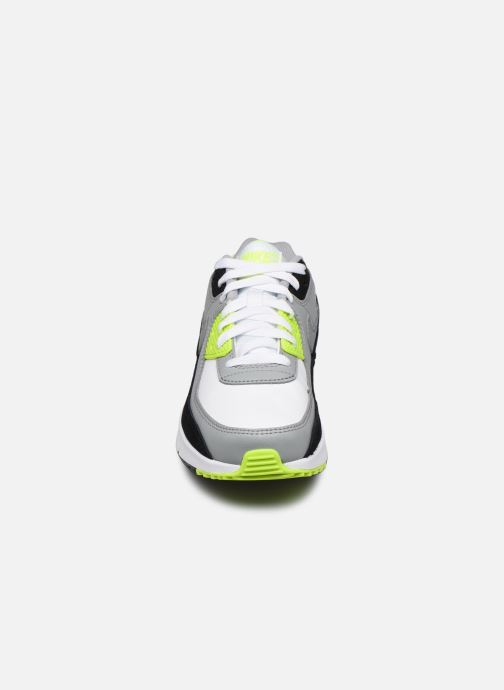 Baskets Nike Nike Air Max 90 Ltr (Gs) Gris vue portées chaussures