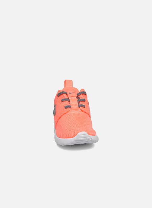 Sneaker Nike Nike Roshe One (Tdv) orange schuhe getragen