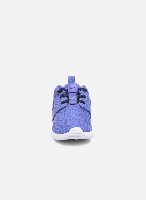 Deportivas Nike Nike Roshe One (Tdv) Azul vista del modelo