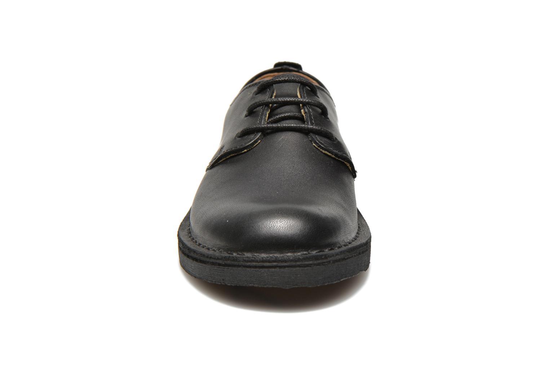 Chaussures à lacets Clarks Desert Lnd Noir vue portées chaussures