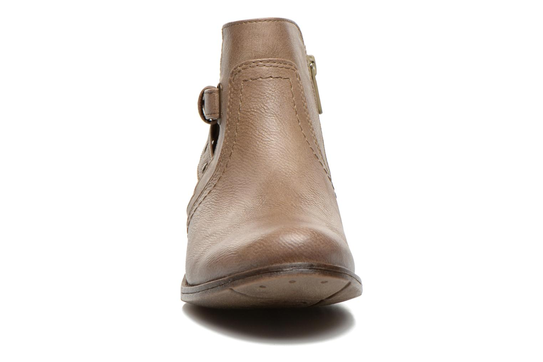 Bottines et boots Mustang shoes Lienos Beige vue portées chaussures