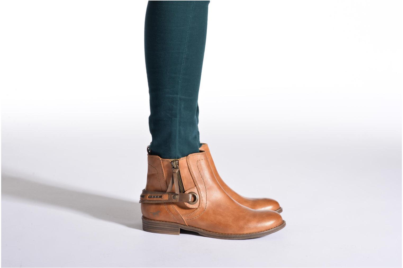 Bottines et boots Mustang shoes Isauris Marron vue bas / vue portée sac