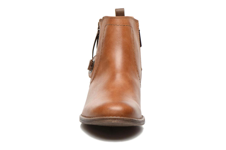 Bottines et boots Mustang shoes Isauris Marron vue portées chaussures