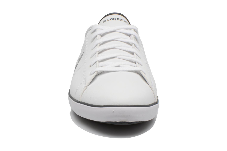 Sneakers Le Coq Sportif Slimset Syn Lea Bianco modello indossato