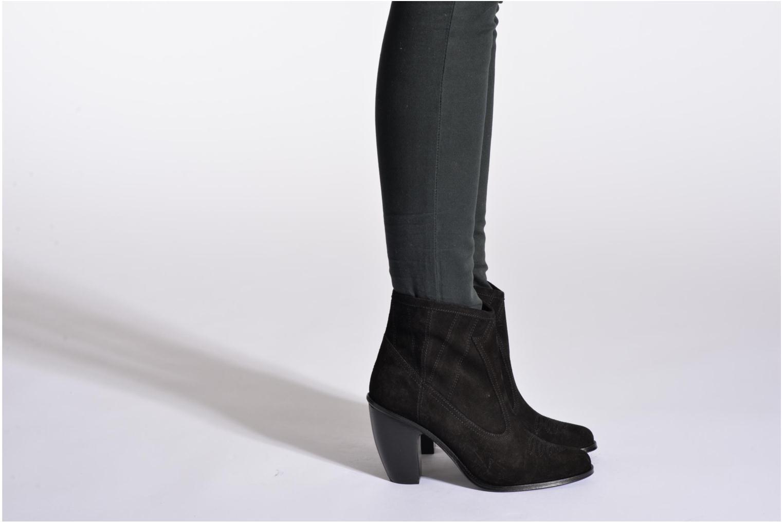 Bottines et boots Opening Ceremony Suede Pioneer Bootie Noir vue bas / vue portée sac