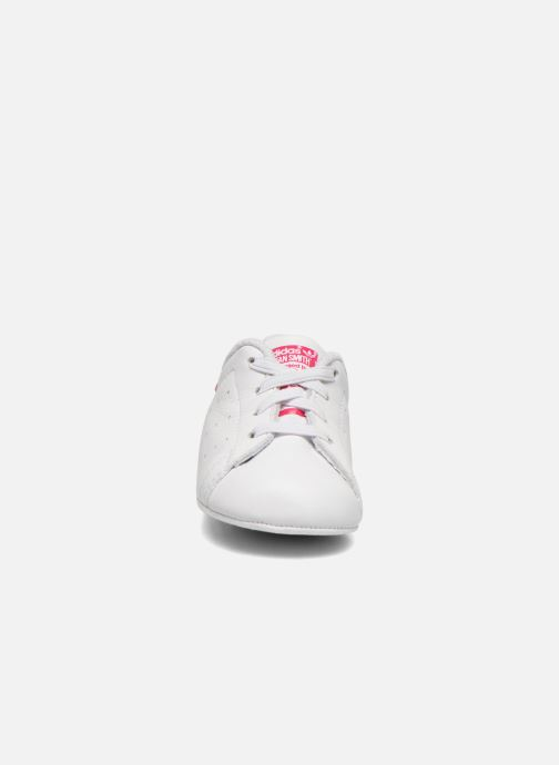 Trainers adidas originals Stan Smith Crib White model view