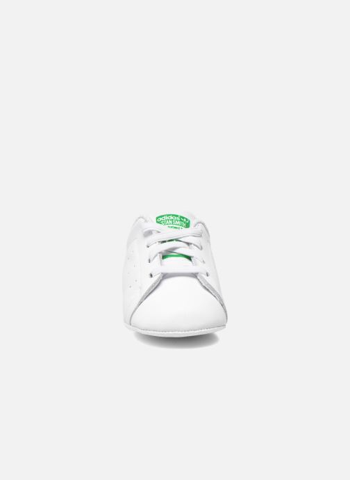 Trainers adidas originals Stan Smith Crib White model view