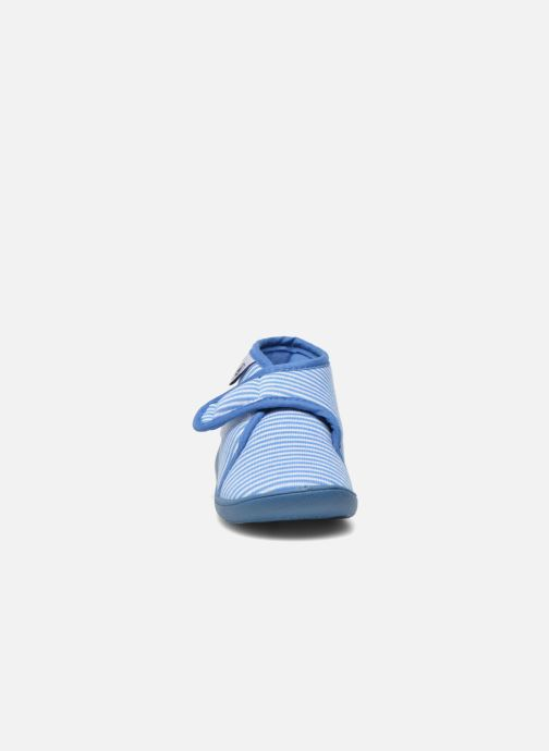 Pantuflas Petit Bateau PB Apatara BF Azul vista del modelo