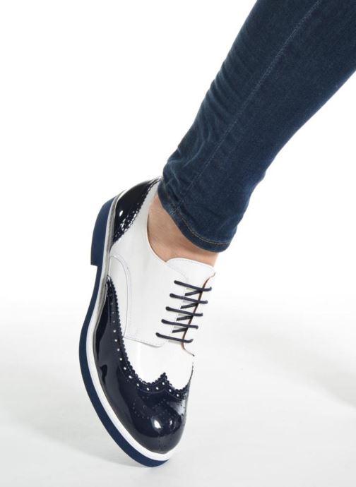 Schnürschuhe Made by SARENZA Busy Girl Chaussures à Lacets #3 weiß ansicht von unten / tasche getragen