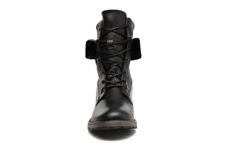 Ankle boots Pataugas Deday Black model view