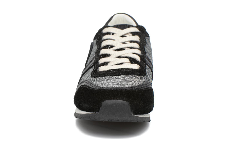 Baskets Pataugas Idol Noir vue portées chaussures