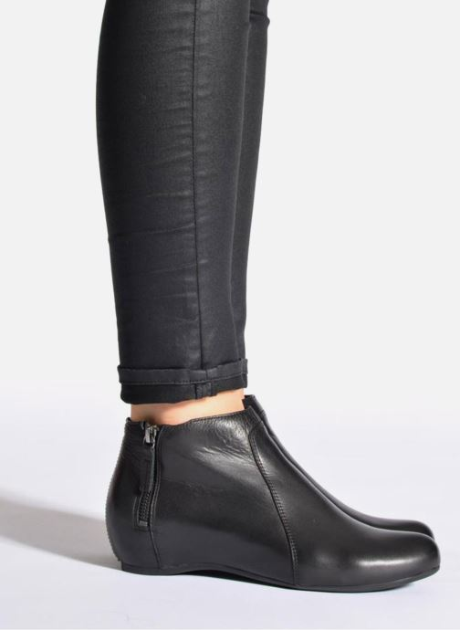 Stiefeletten & Boots Unisa Astor schwarz ansicht von unten / tasche getragen