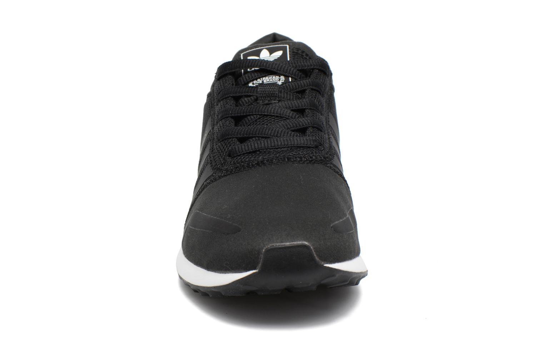 Baskets Adidas Originals Los Angeles W Noir vue portées chaussures