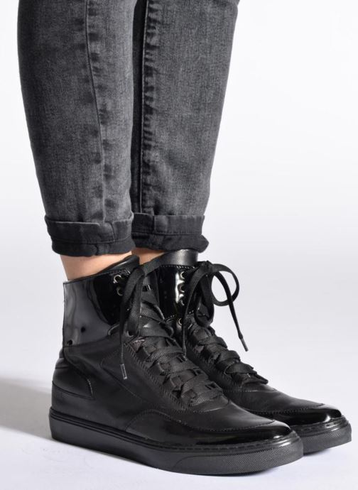 Trainers Sweet Lemon L.4.Paix Black view from underneath / model view