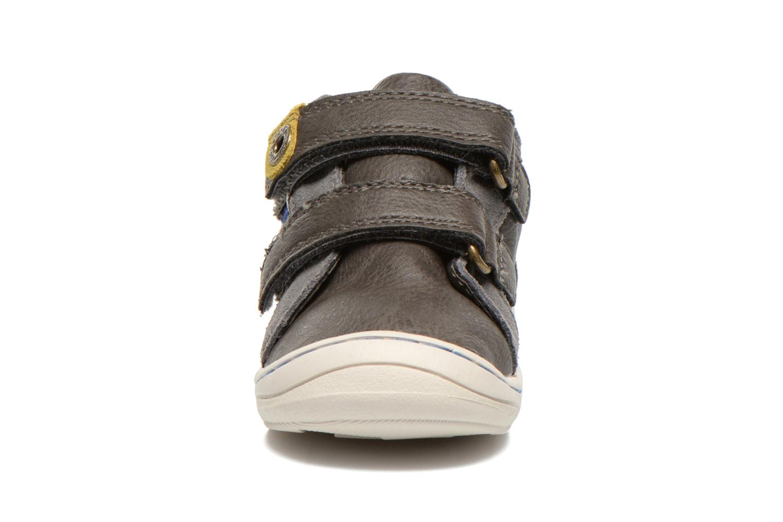 Baskets Kickers Zyva Wpf Gris vue portées chaussures