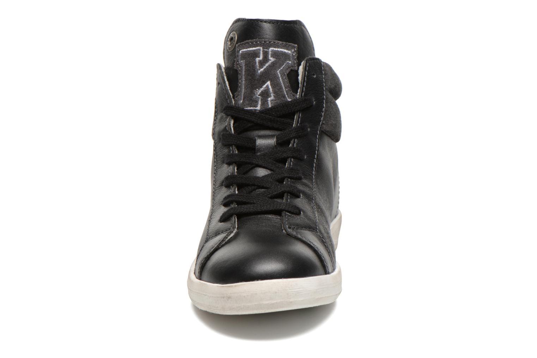 Baskets Kickers Hatila Noir vue portées chaussures