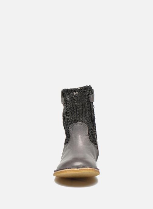 Bottes Kickers Cressona Gris vue portées chaussures