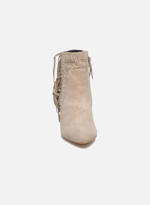 Bottines et boots Rebecca Minkoff Ilan Beige vue portées chaussures
