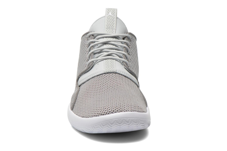 Chaussures à lacets Jordan Jordan Eclipse Gris vue portées chaussures