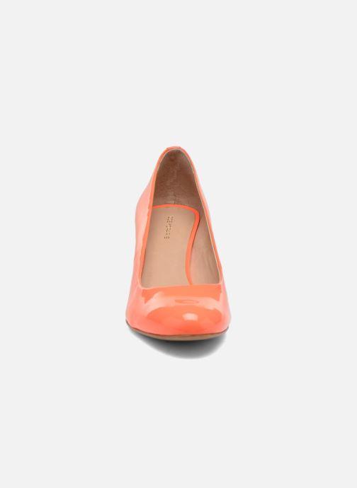Zapatos de tacón COSMOPARIS Jennie Ver Prune Naranja vista del modelo