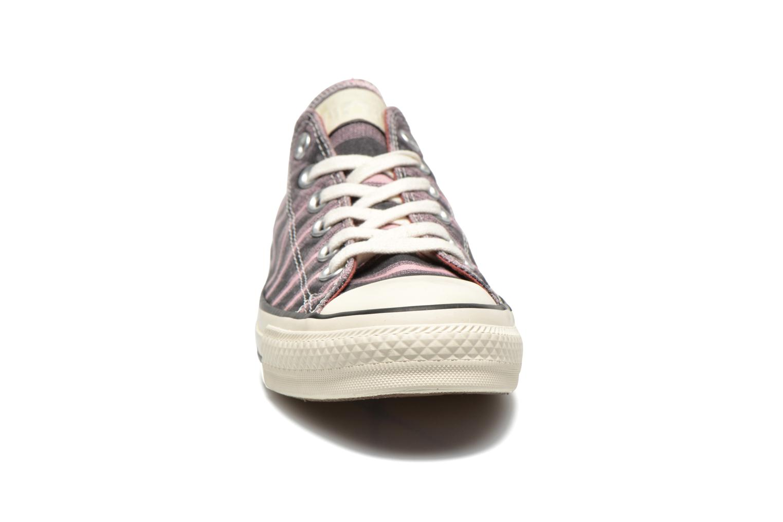 Baskets Converse Chuck Taylor All Star Missoni Ox W Rose vue portées chaussures