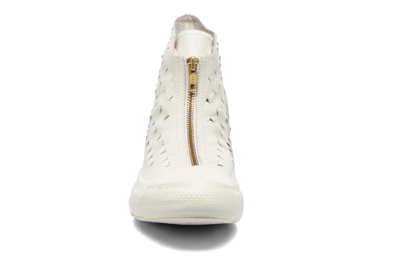 Baskets Converse Chuck Taylor All Star Shroud Hi W Beige vue portées chaussures