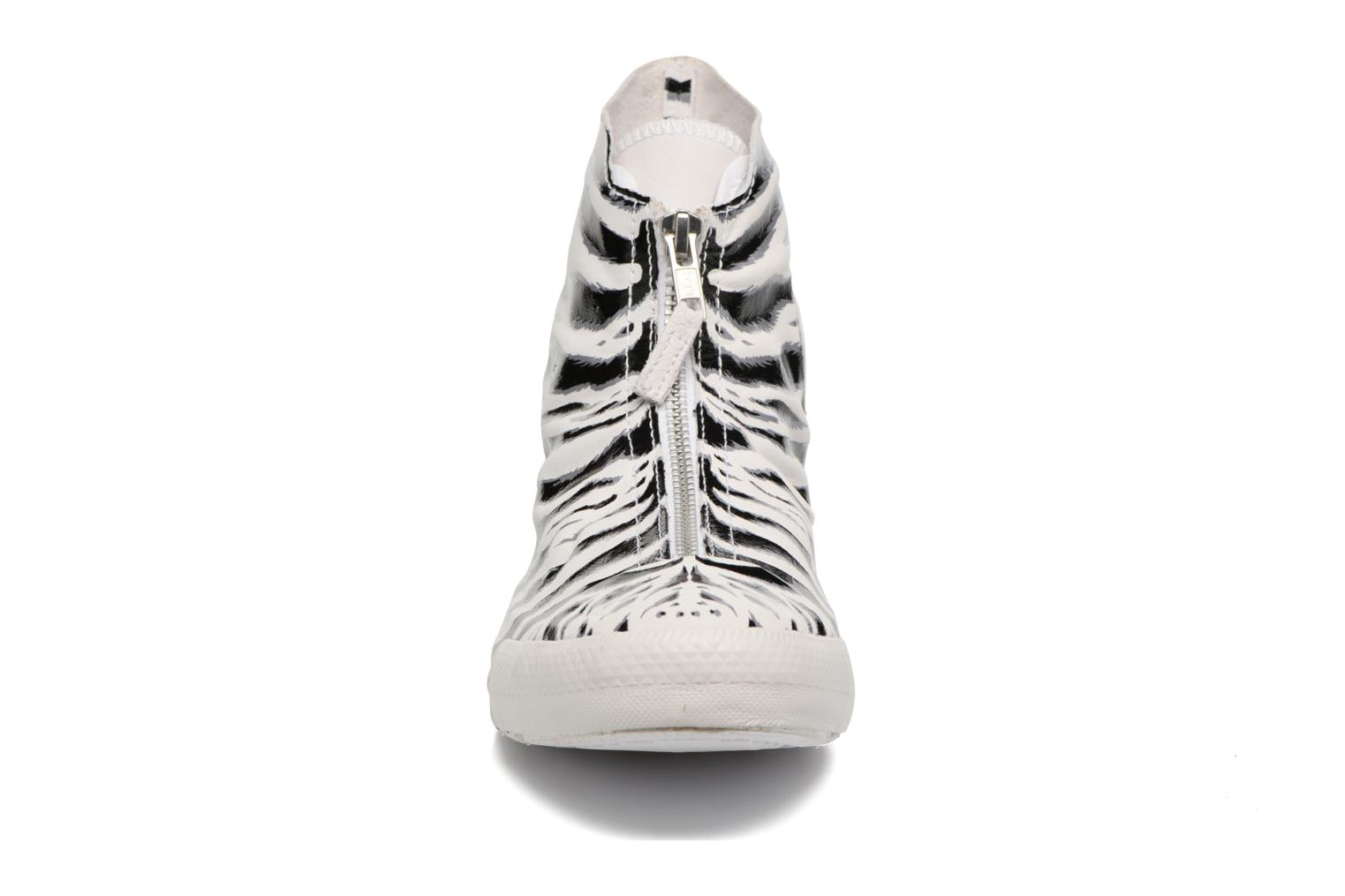 Trainers Converse Chuck Taylor All Star Shroud Hi W White model view