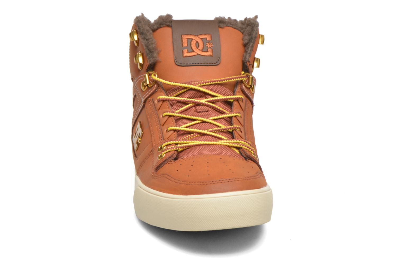 Baskets DC Shoes Spartan High WC Marron vue portées chaussures