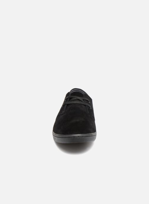 Baskets Fred Perry Byron Low Suede Noir vue portées chaussures