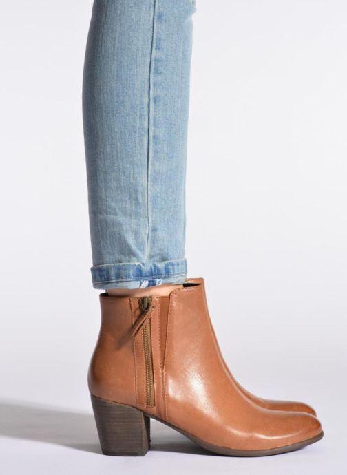 Bottines et boots Geox D LUCINDA B D5470B Noir vue bas / vue portée sac