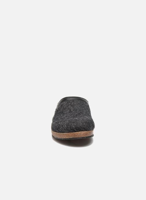 Chaussons Giesswein CHIEM Gris vue portées chaussures