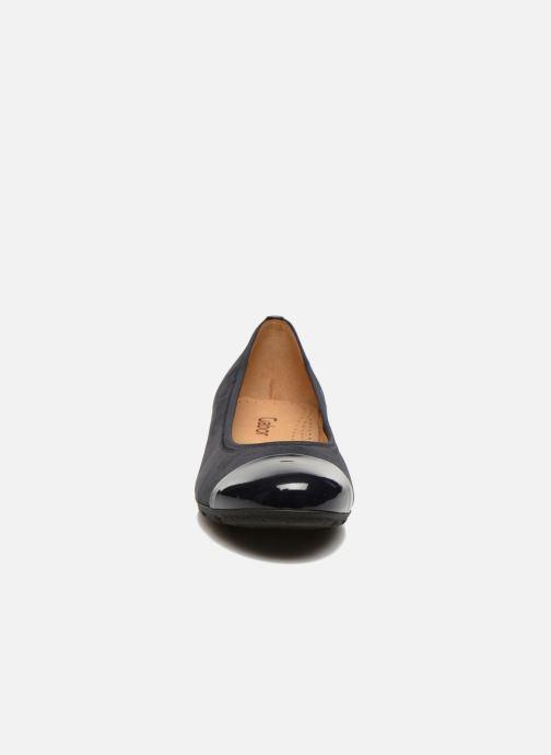 Ballerines Gabor Isa Bleu vue portées chaussures