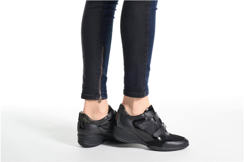 Sneaker Geox D PERSEFONE A D540RA schwarz ansicht von unten / tasche getragen