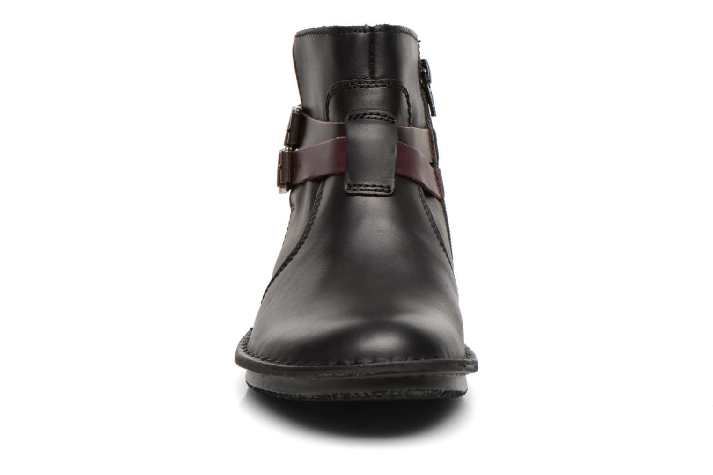 Stivaletti e tronchetti Kickers WOUASO Nero modello indossato